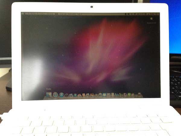 Early2008 ポリカーボネートのMacBook