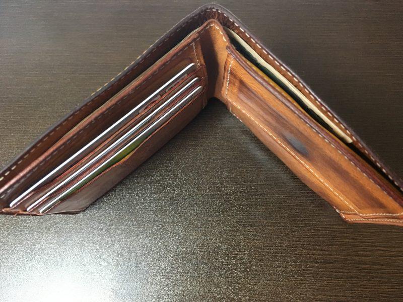 GANZOシンブライドル2つ折り財布を上から