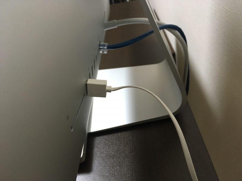 iMac裏の配線