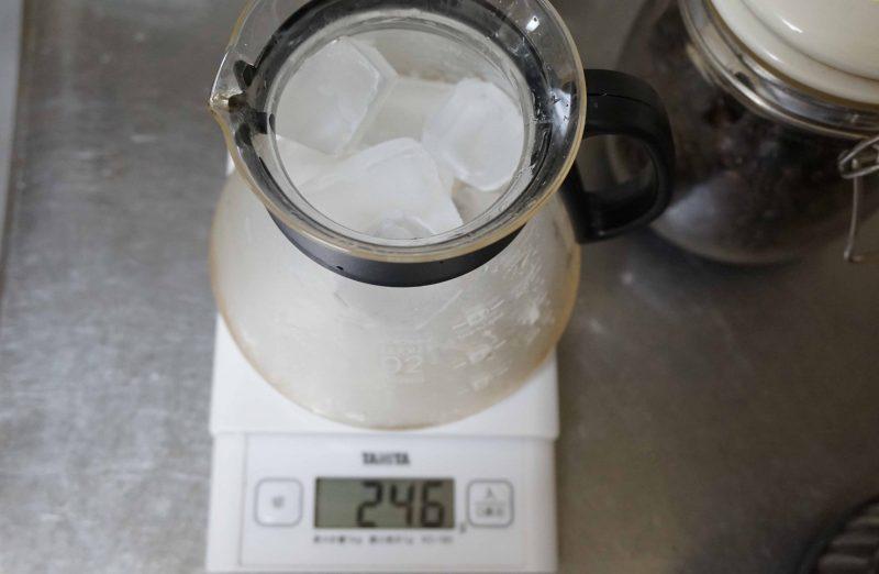 コーヒーサーバーに氷