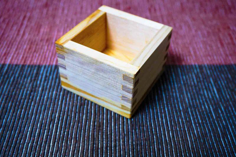 日本酒用のヒノキ升