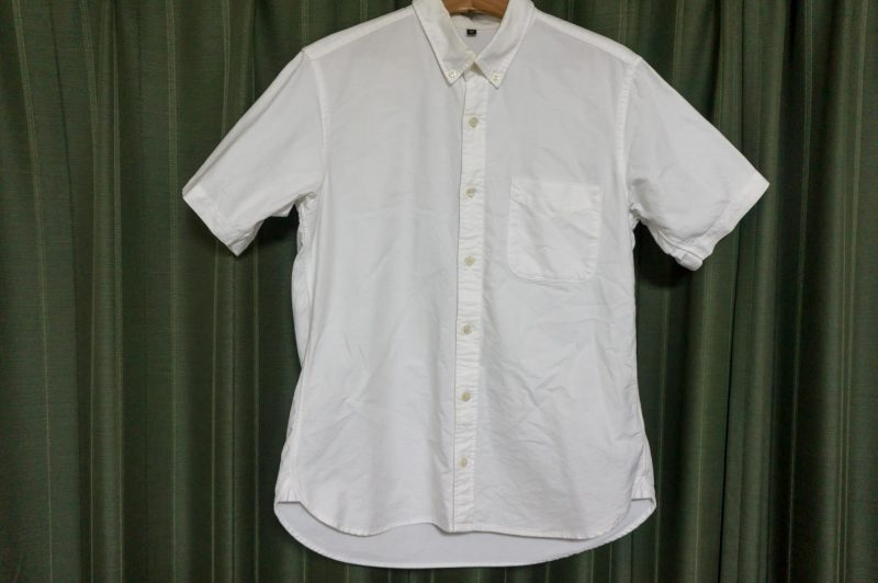無印良品の白シャツ