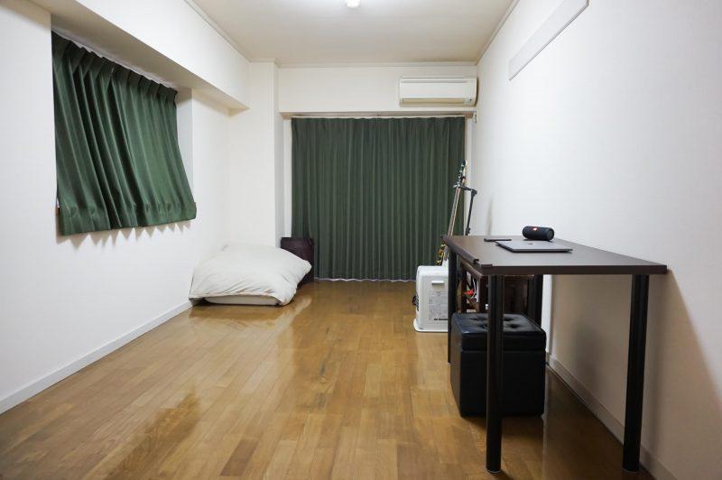 男のシンプルライフ部屋