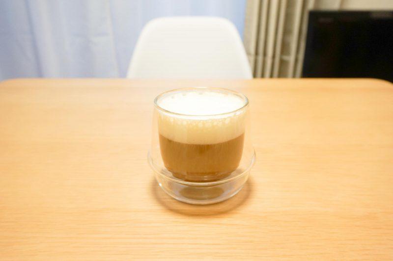 マキネッタで作ったカフェラテの完成