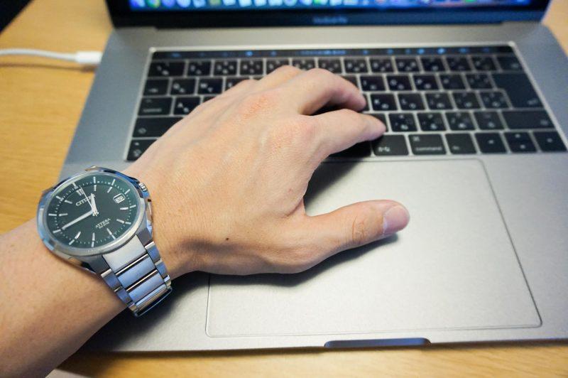 シチズンアテッサとMacBookPro